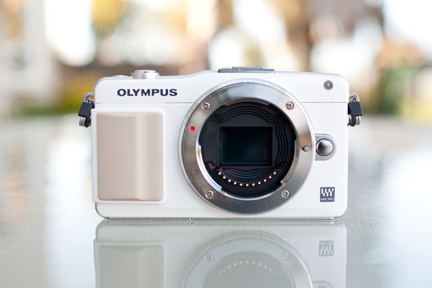 Review: Olympus E PM2 Is Small, Speedy, And Sleek, But Its UI is Not olympusepm2 1