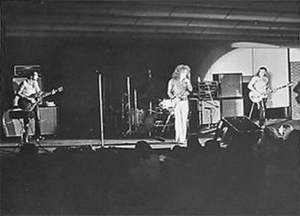 flash-on-stage