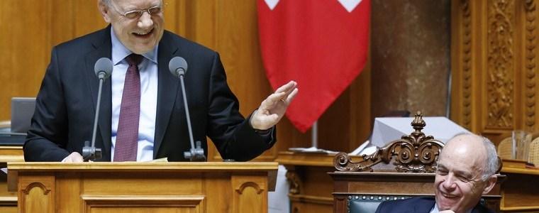 Lachsalven im Parlament