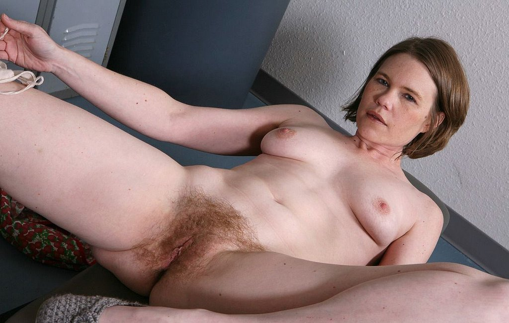 Women pussy very figured hairy with full