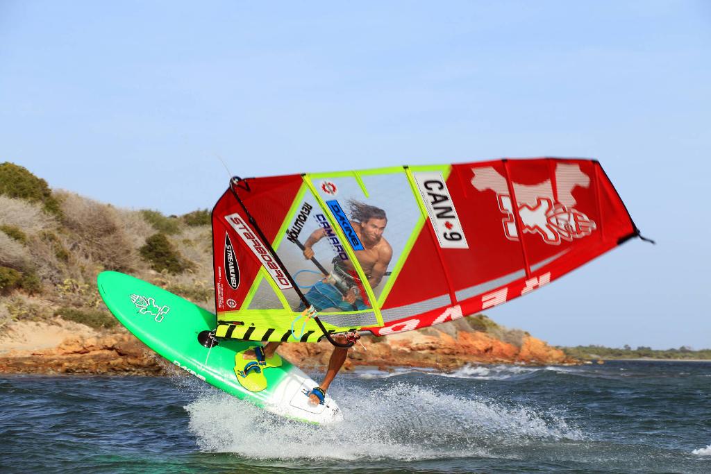 Phil Soltysiak Windsurfing Culo in El Yaque, Isla Margarita, Venezuela. Photo by Alain Galarneau.