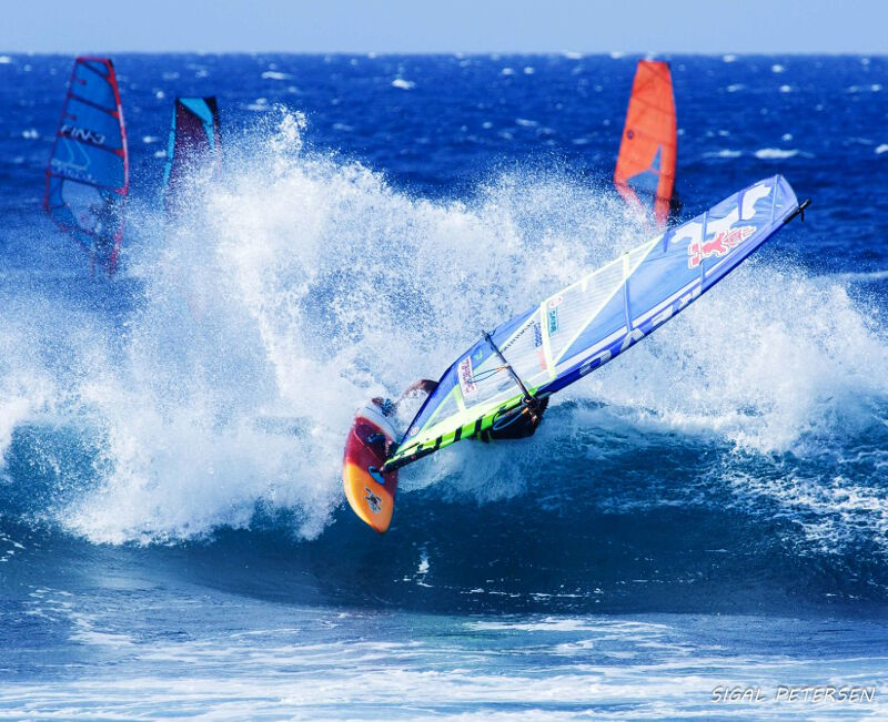 Top turn at Hookipa Beach Park Maui