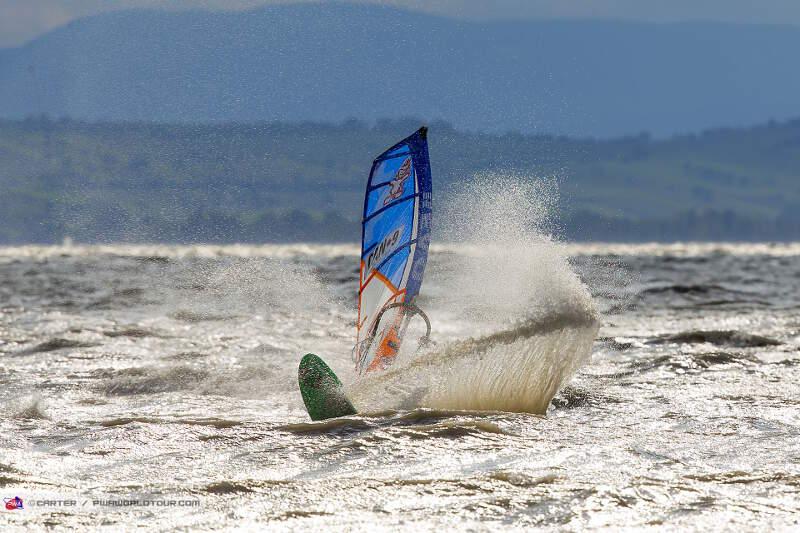 Landing a loop in 30 knots