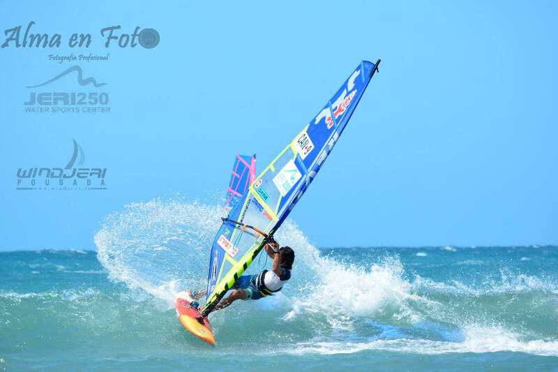 Phil Soltysiak top turn in Jericoacoara. Photo by Micaela Tulli.
