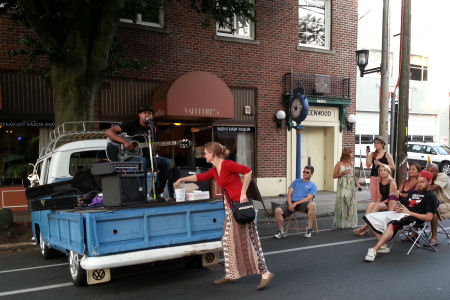 2013-summer-streets-music