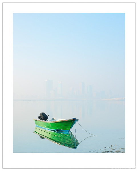 Boat at Dawn - Bahrain (Ian Mylam/© Ian Mylam (www.ianmylam.com))