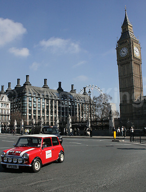 Classic Mini Cooper & Big Ben in London, smallcarBIGCITY, Cool London Travel