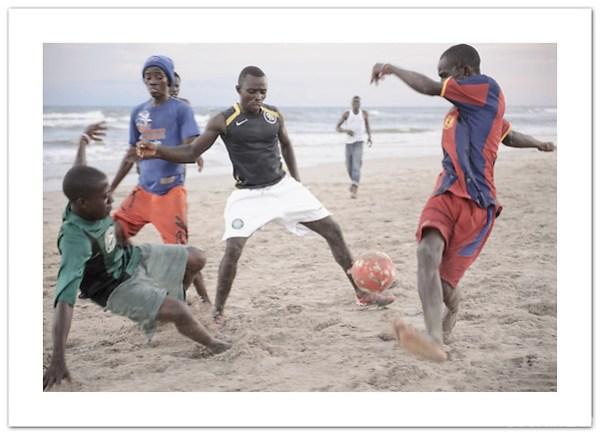 Beach Football - Accra, Ghana (©2011 Ian Mylam)