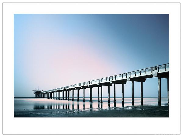 La Jolla Pier, California - © 2013 Ian Mylam