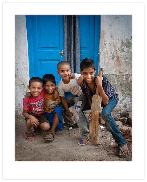 Dharavi Slum, Mumbai, India (© 2013 Ian Mylam)