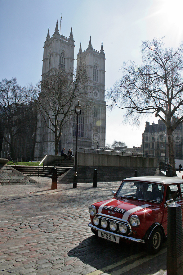 Sunshine, Westminster Abbey & Mini Cooper London