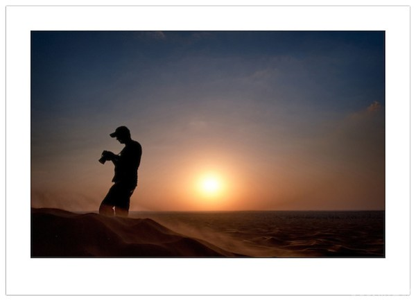 Photographer, Arabian Desert, U.A.E. (Ian Mylam)