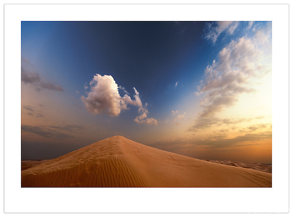 Dune and Cloud - Arabian Desert, U.A.E. (©2012 Ian Mylam)