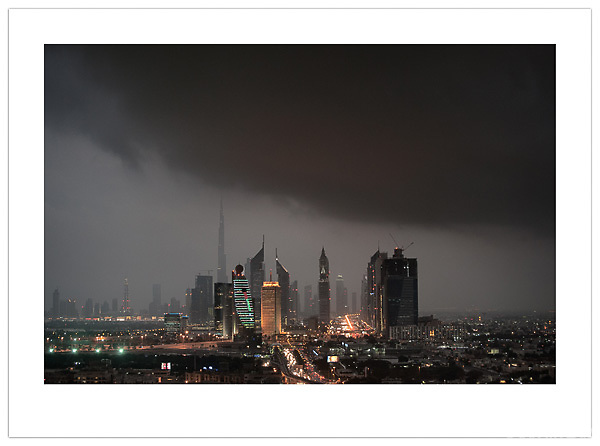 Dubai from the Roof #2 (© Ian Mylam)