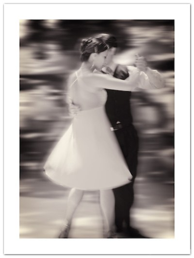 Street Tango in San Telmo, Buenos Aires. Argentina (© 2011 Ian Mylam)