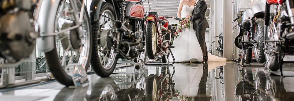 {weddings} Freie Trauung im Dauphin Speed Event Hersbruck – Hochzeitsfotograf Franken