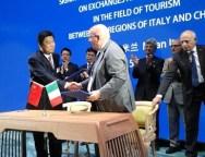 Il presidente Oliverio ha incontrato la delegazione cinese e firmato un accordo di scambio e cooperazione con la provincia dell'Henan