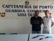 Palmi, la Guardia Costiera sequestra 4 pistole all'interno di un manufatto ubicato sul litorale
