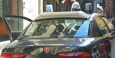 carabinieri4_auto_agente_giorno--400x300