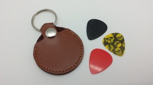 leather-guitar-pick-key-chain-16