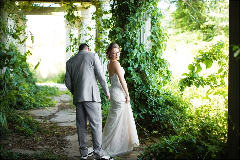 Lonview Mansion Wedding Kansas City_0024
