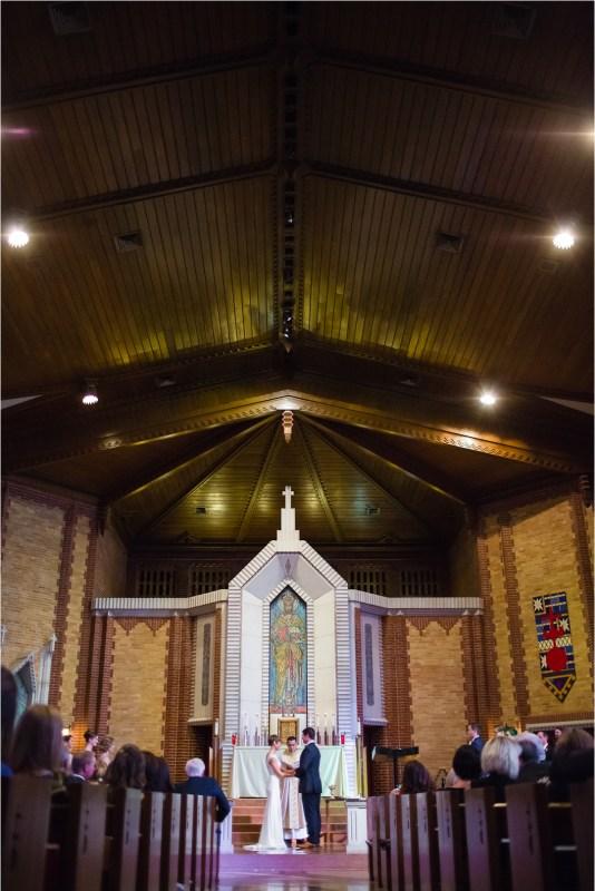 christ-the-king-catholic-church-wedding-and-ruckers-warehouse-reception-tulsa-oklahoma_0042
