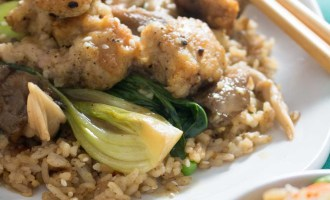 The quickest shallow-fried chicken bites served with adorable baby bok choy and oyster mushrooms in a brothy ginger-garlic sauce. So delicious! It's great with fried rice! | www.pinchmeimeating.com
