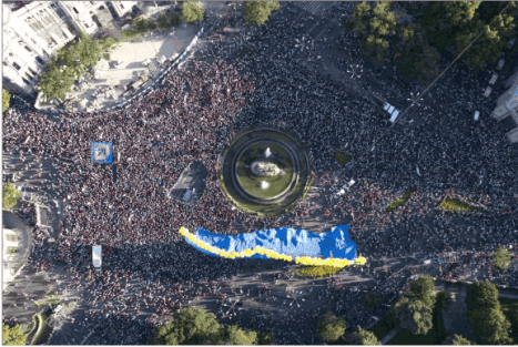 Manifestazione a Madrid fotografata da LYNCE