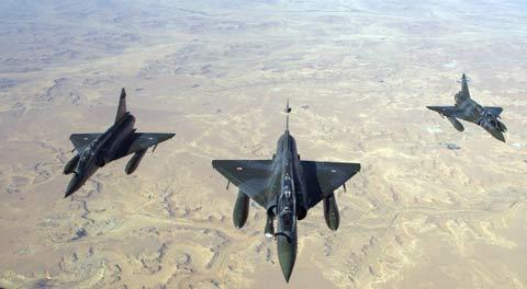 Mirage 2000 D francesi sorvolano il Mali