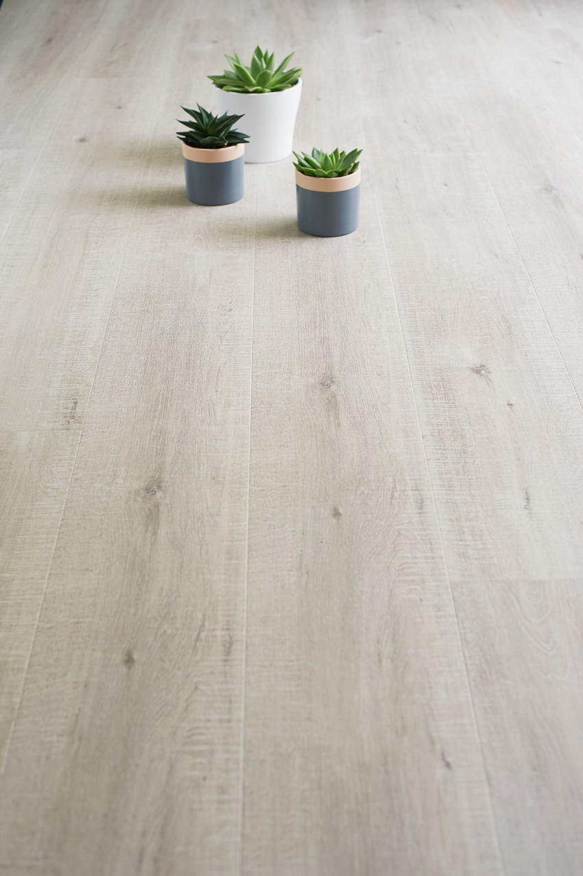 Laminate flooring makeover with Quick-Step