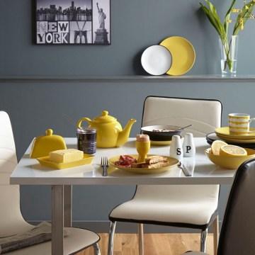 George Home: Monochrome kitchen