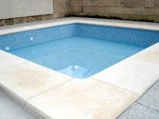 Construcción de la piscina del Hotel Uyal en Pollença