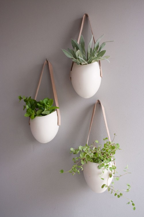 decurate wall containers