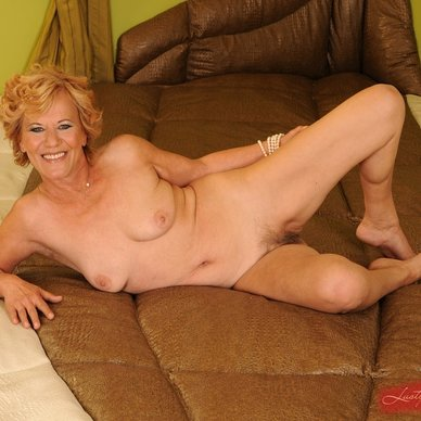 naked gilf