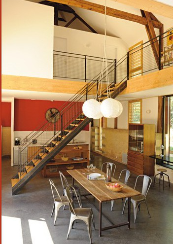 Un loft dans un ancien s choir tabac planete deco a homes world - Hangar transforme en loft ...
