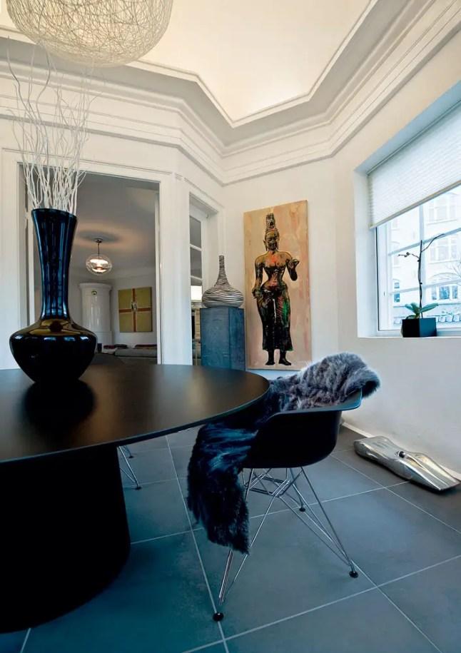 une maison danoise en noir et couleurs planete deco a. Black Bedroom Furniture Sets. Home Design Ideas