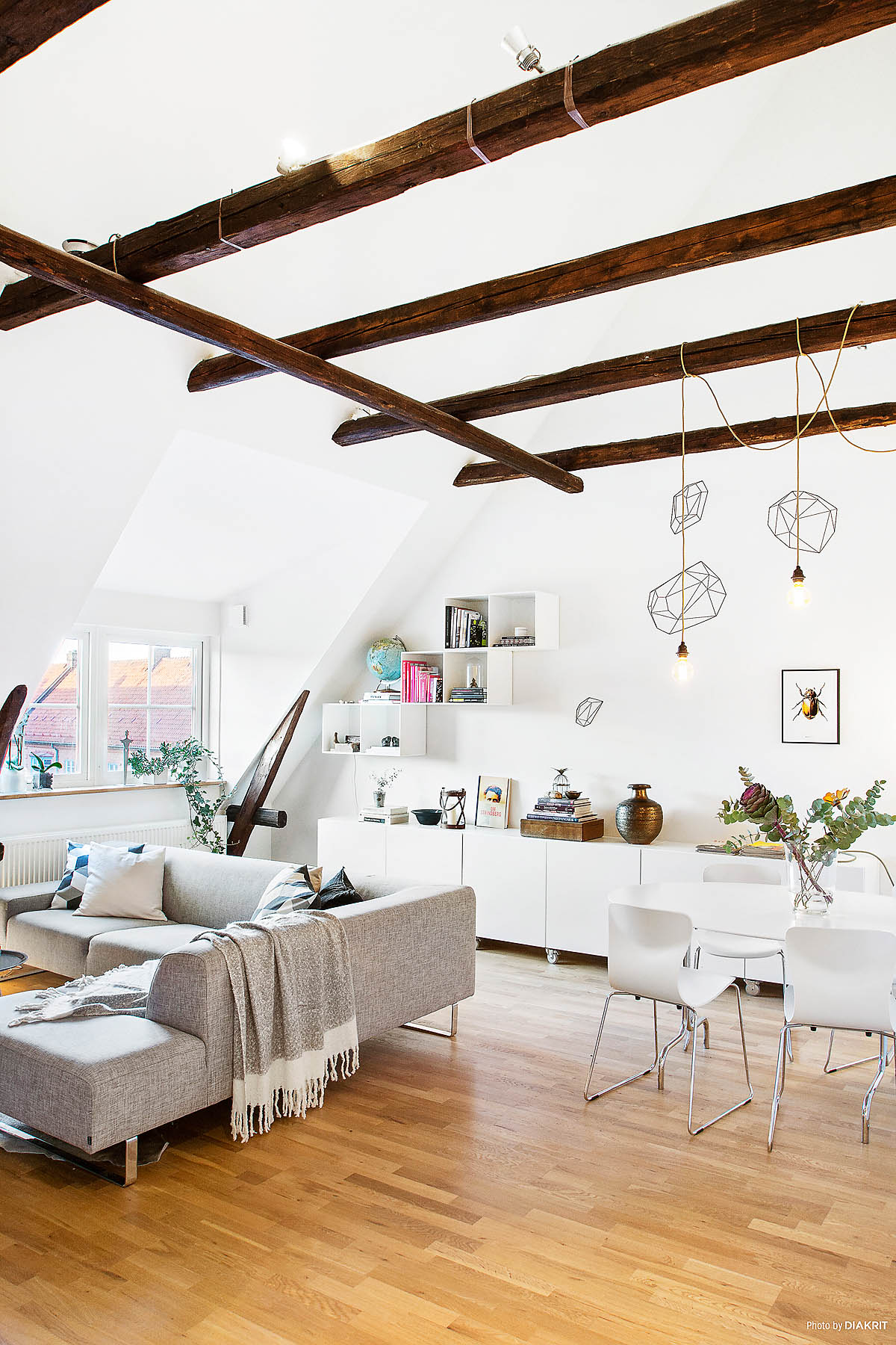 un loft familial avec une pointe de fantaisie planete deco a homes world bloglovin. Black Bedroom Furniture Sets. Home Design Ideas