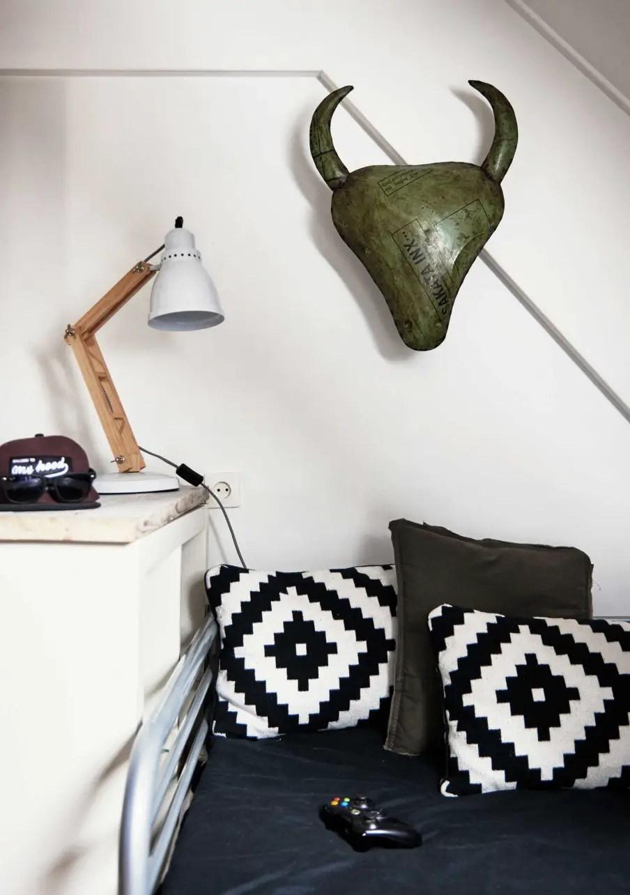 une maison en couleurs aux pays bas planete deco a homes world bloglovin. Black Bedroom Furniture Sets. Home Design Ideas