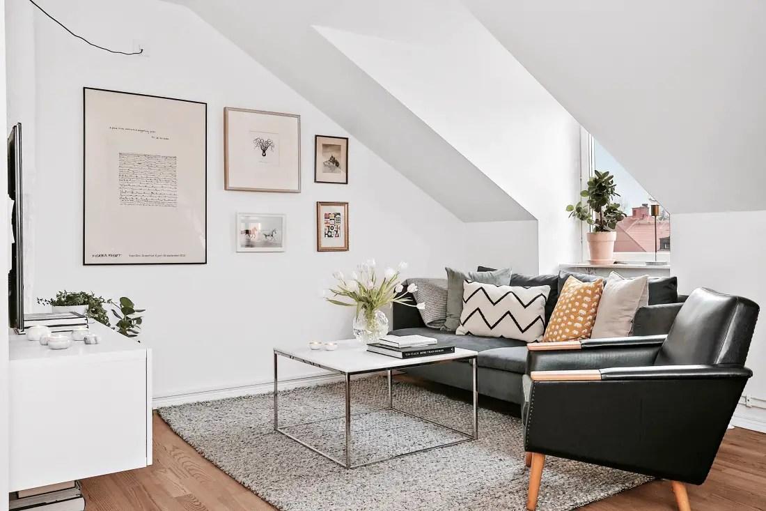 Un petit appartement sous les toits planete deco a homes for Decoration petit appartement