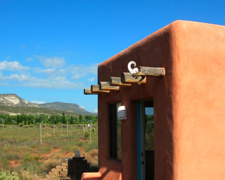 Adobe Style House from tinyhousedesign.com - Plaster & Disaster