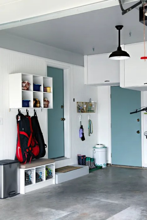 Garage color scheme inspiration from I Heart Organizing - iheartorganizing.blogspot.com - Plaster & Disaster
