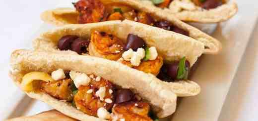 Mediterranean Shrimp Tacos - www.platingpixels.com