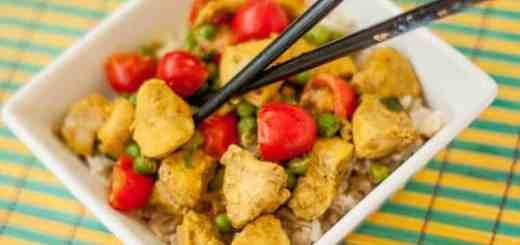 Thai Coconut Curry Chicken - www.platingpixels.com