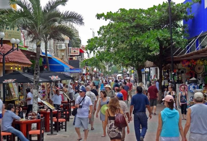 Walking down the 5th Avenue in Playa del Carmen