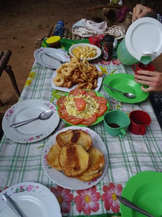 Petit dej dans la jungle made by notre super cuisinière !