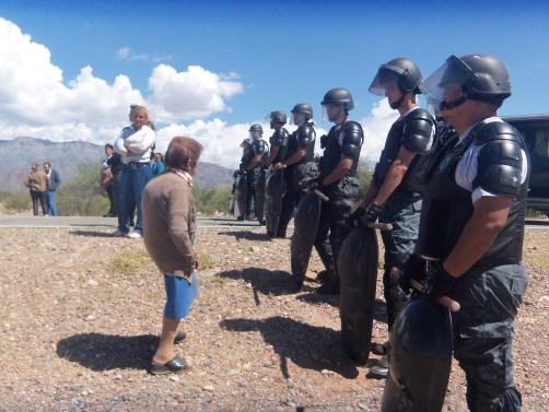 La policía corta la ruta provincial para evitar protesta contra Beder Herrera.