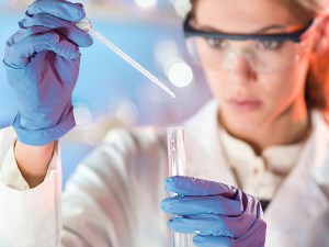 is_141031_laboratory_testing_800x600