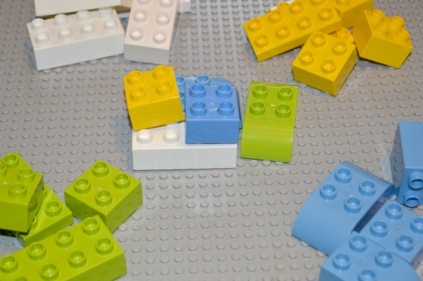 5 LEGO math activities - fun to work on math skills this summer!