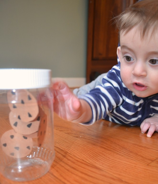 Discovery bottle for babies - fun with If you Give a Mouse a Cookie by Laura Numeroff