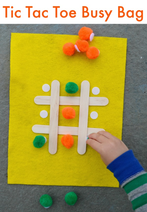 Make a tic tac toe busy bag - great grab and go activity for kids!
